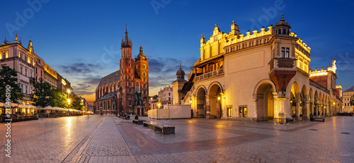 Spoed Foto op Canvas Krakau Krakow, Poland-June 2018: Main Market Square,Sukiennice ,Krakow, Poland.