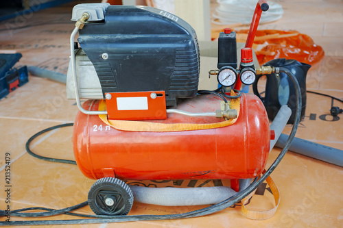 Fototapeta Working mobile air compressor obraz