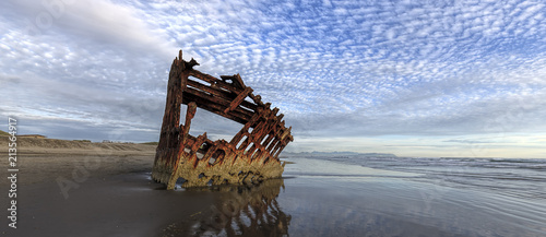 Fotomural Panorama of Peter Iredale shipwreck in Oregon.