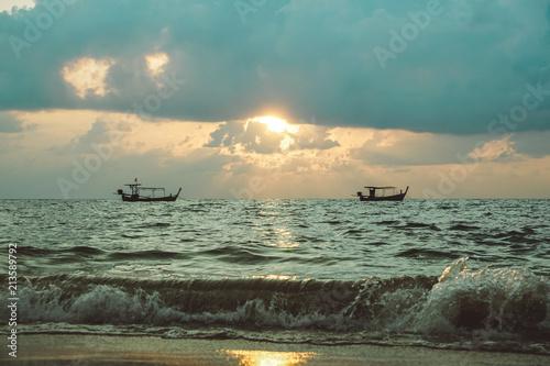 Plakát  Boote im Sonnenuntergang in Thailand