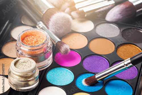 Fotografia, Obraz Eyeshadow palette and brushes