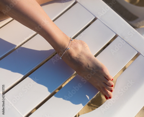 Photo Woman wearing an anklet