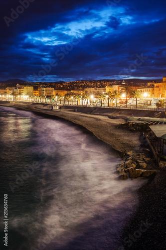 Türaufkleber Kanal City of Nice in France at Dusk