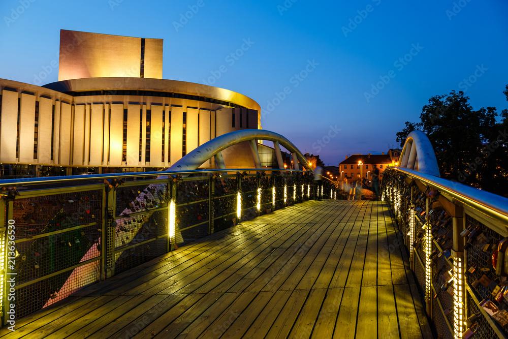 Fototapety, obrazy: Budynek Opery w Bydgoszczy nocą, Polska