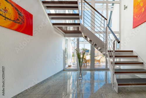 Modernes Treppenhaus Buy This Stock Photo And Explore Similar
