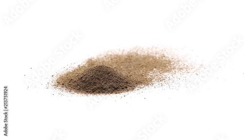 Deurstickers Aromatische Ground black pepper powder pile, peppercorn isolated on white background