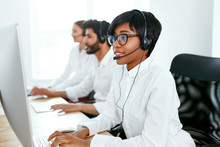 Customer Service Online In Call Center