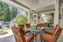 Spacious Covered Deck Patio Wi...