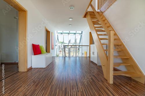 Flur Mit Treppenaufgang Aufenthaltsort Im Haus Buy This Stock