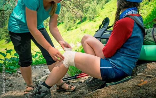 Tablou Canvas hiking first aid