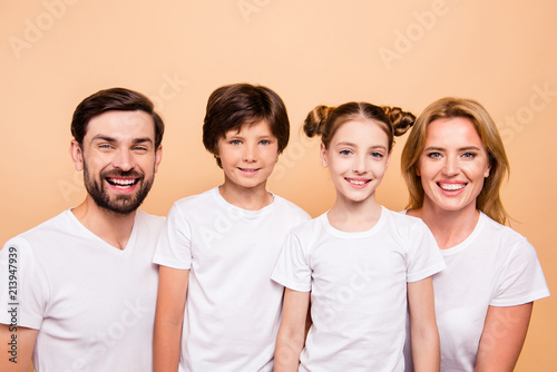 Closeup portrait of adorable attractive beautiful young family, bearded father, Tableau sur Toile