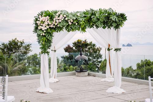 Wedding Arches And Altar Decoration For Beach Wedding Venue Using
