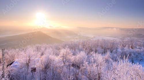 In de dag Ochtendgloren Beautiful winter sunrise lanscape with hills