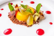 Dessert à L'orange Givrée, Au Crumble Et Aux Fruits