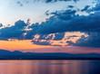 Couché de soleil en été sur les bords du Lac Léman ou Lac de Genève