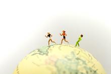 Miniature People : Marathon Ru...