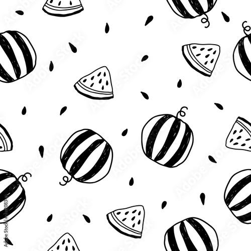 recznie-rysowane-wektor-wzor-z-arbuzami-i-plastry-arbuza-tropikalna-lato-owocowa-ilustracja-w-czarny-i-bialy-kolorach