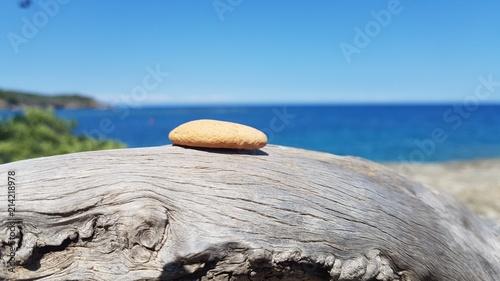 Photo Stands Zen Stone, wood, sea of Turkey