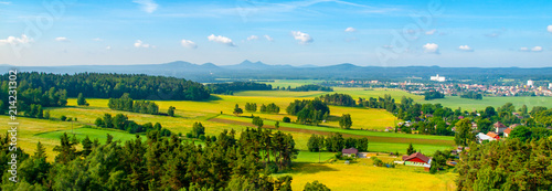 La pose en embrasure Piscine Panoramic view of landscape around Bezdez Castle on sunny summer day. Czech Republic.