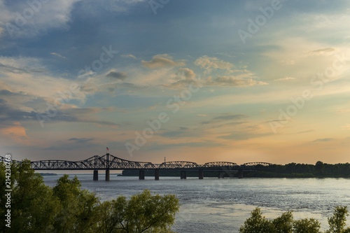 Keuken foto achterwand Verenigde Staten View of the Mississippi River with the Vicksburg Bridge on the background at sunset; Concept for travel in the USA and visit Mississippi