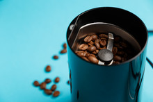 Electric Coffee Grinder With R...