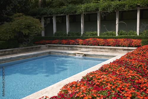 Fotografia  Milan, Italy - July 12, 2018 : View of Villa Necchi Campiglio swimming pool by P