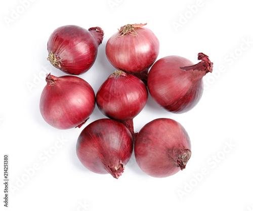 Cuadros en Lienzo Ripe red onions on white background