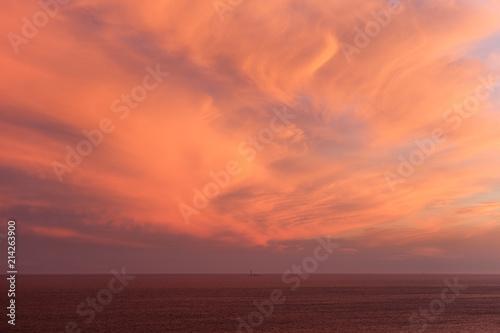 Papiers peints Corail coucher de soleil sur Marseille