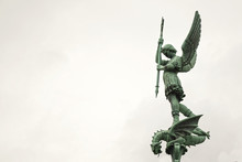 L'archange St Michel à Fourvi...