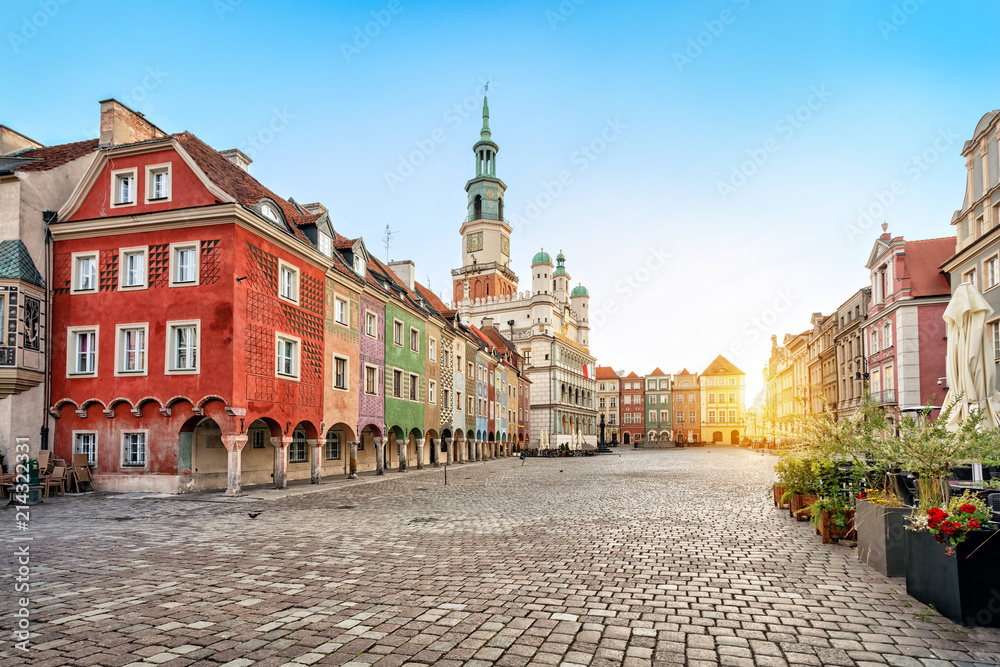 Fototapety, obrazy: Stary Rynek square with small colorful houses and old Town Hall in Poznan, Poland
