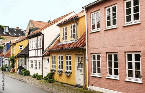 Foto  Historische Wohnhäuser in der Altstadt von Aalborg, Jütland, Dänemark