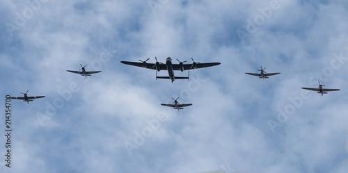 Obraz na płótnie The Lancaster bomber flies over London flanked by Hurricanes and Spitfires celeb