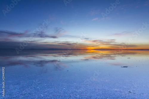 Láminas  Uyuni reflections are one of the most amazing things that a photographer can see