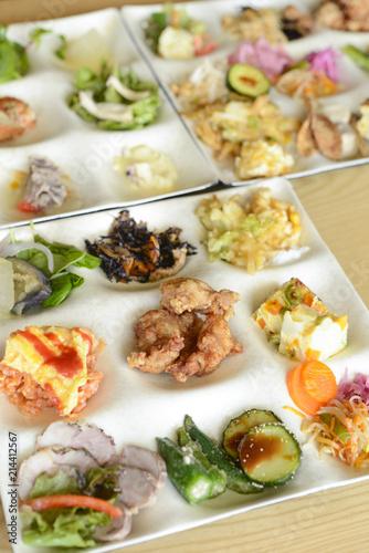 Keuken foto achterwand Buffet, Bar ビュッフェ料理 和食