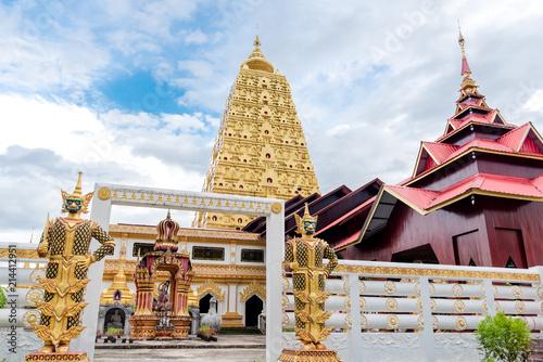 Fotobehang Bedehuis Temple,Buddha in thailand (Wat Phuthakaya Pagoda Kanchanaburi)