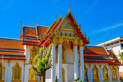 Spoed Foto op Canvas Bedehuis Entrance to the Marble Temple, also known as Wat Benhamabofit in Bangkok. Thailand