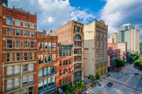 Fotografie, Tablou View of buildings along Liberty Avenue in downtown Pittsburgh, Pennsylvania