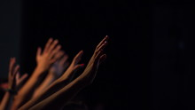 Uitgestrekte Handen In Aanbidd...