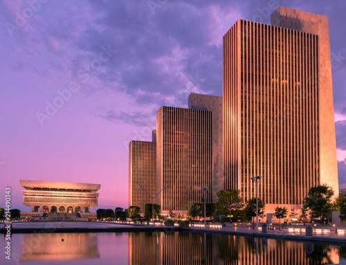 New York State Museum reflection at sunset, Albany, New York, USA Fototapet