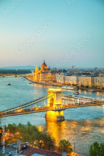Valokuva  Overview of Budapest at sunset