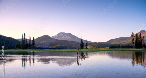 Fototapeta Sparks Lake in Central Oregon Cascade Lakes Highway, a popular outdoors vacation destination obraz