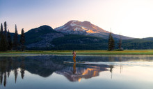 Sparks Lake In Central Oregon Is A Popular Destination For Outdoor Enthusiasts, Paddle Boarders And Kayakers