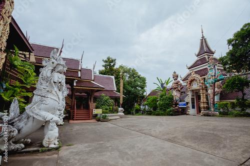 Deurstickers Bedehuis Wat Phra That Suton Song Kontiere Temple
