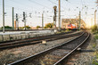 Zug in Bewegung vor Rheinbrücke Köln