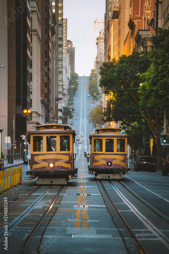 Fotobehang Amerikaanse Plekken San Francisco Cable Cars on California Street, California, USA
