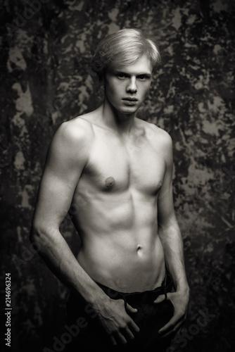 Fotografie, Obraz  shirtless young man