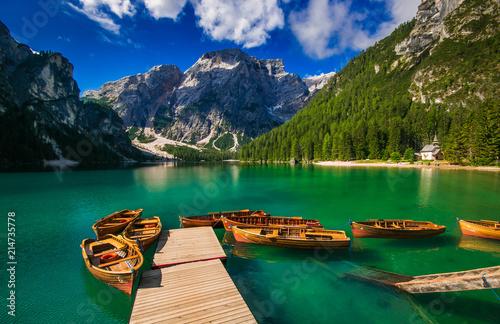 Braies: barche in un idilliaco lago alpino in Trentino Alto Adige Canvas Print