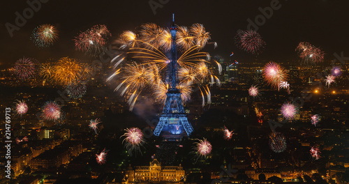 Photo sur Toile Europe Centrale Eiffel tower with fireworks, celebration of the New Year in Paris, France