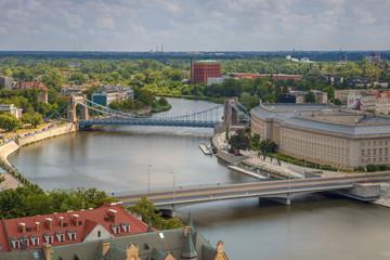 Fototapeta Wrocławskie mosty bez ruchu samochodowego oraz rzeka - Wrocław, Polska