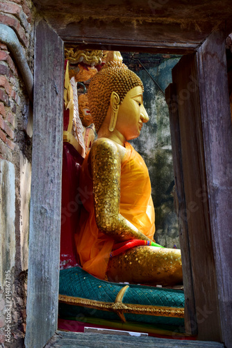 Tuinposter Boeddha The old Buddha image in Thailand